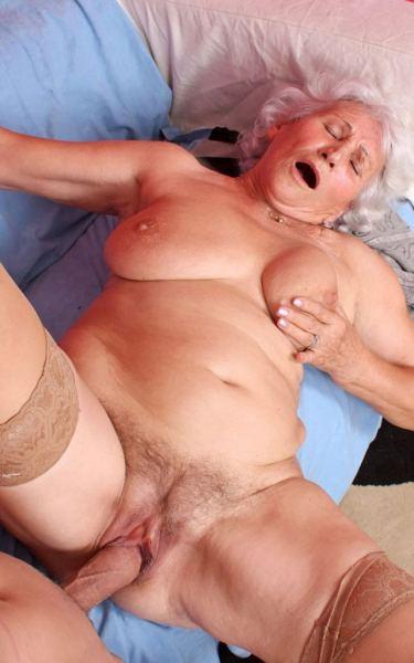 Xxx porno grannies